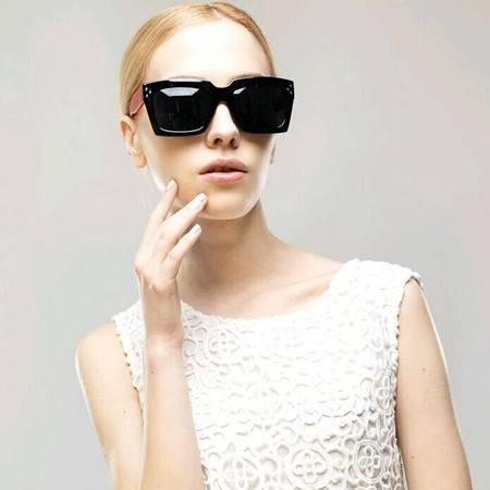 梵妮莎  时尚潮款方框欧美女款偏光太阳镜2073-M