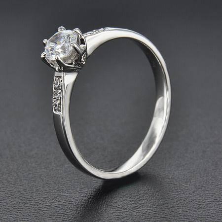 永恒世家六爪镶嵌18K白金钻石显大工艺女戒钻戒