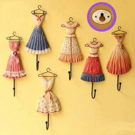 红兔子 家居日用 铁艺挂钩 树脂装饰 连衣裙装饰挂钩 花色随机