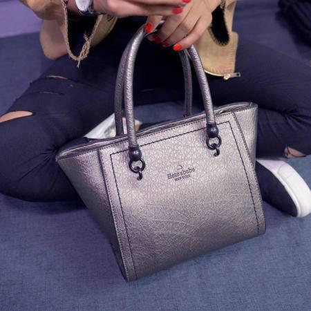 女王箱包 新款韩版女包PU潮包复古犀牛皮手提包时尚绣线定型铆钉