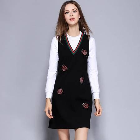 薇语馨 2272欧美秋季新品纯色T恤+钉珠背带裙两件套