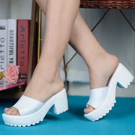 夏季新款鱼嘴一字型拖鞋女时尚厚底粗跟中跟女鞋韩版舒适百搭凉拖