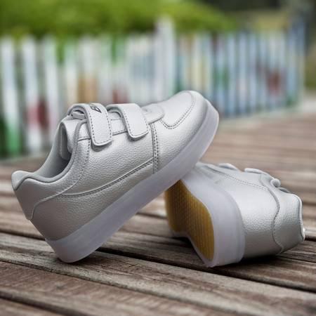 贝贝侠荔枝纹USB充电发光儿童运动鞋夜光休闲鞋板鞋魔术贴男女鞋