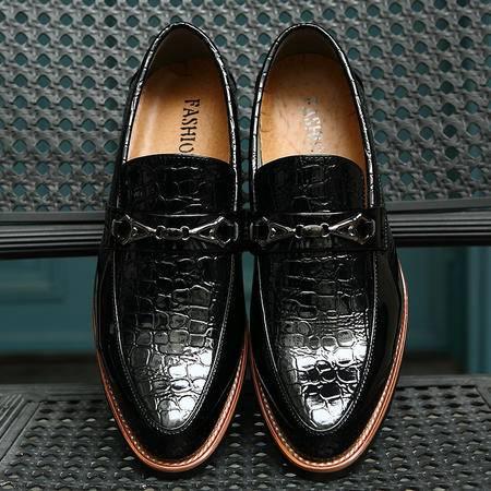 夏季潮男韩版发型师夜店男鞋子真皮白色男生皮鞋尖头男士休闲皮鞋