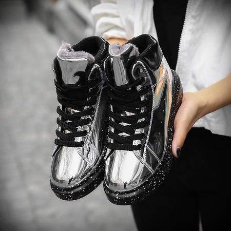 秋冬季板鞋社会小伙鞋子潮鞋韩版潮流运动休闲鞋漆皮男鞋加绒棉鞋