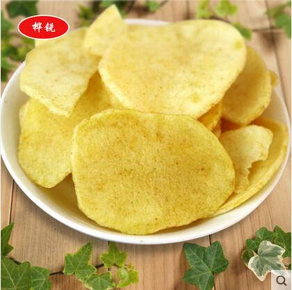 休闲零食  美味马铃薯脆片  精美罐装  88g香辣味