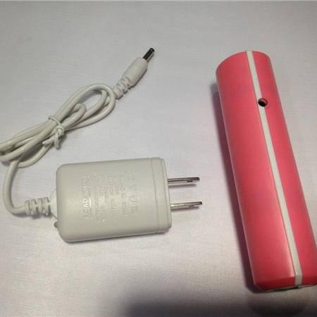 康铭LED最高亮度日常携带 露营 徒步 夜骑 探洞运动KM-8797手电筒颜色随机发放