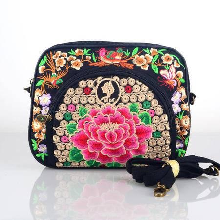 隆林民族风绣花包刺绣简约百搭小包斜挎包