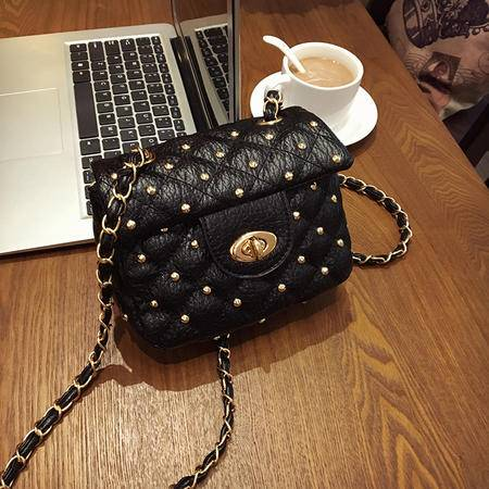 柏丽雅诗新款时尚菱格纹铆钉锁扣单肩包女包Q060