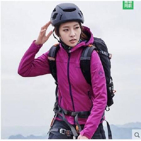 探路者/TOREAD 秋季新款户外女式保暖软壳衣修身外套HAEE92116