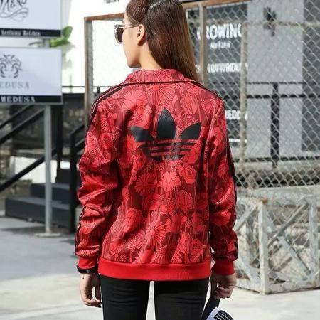 阿迪达斯 三叶草 印花运动服休闲女士卫衣长袖开衫翻领夹克外套红色