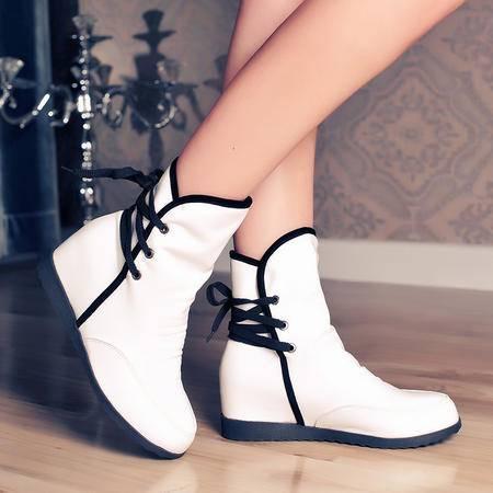 秋冬坡跟学生短靴女内增高平底中筒系带保暖雪地靴加厚棉鞋