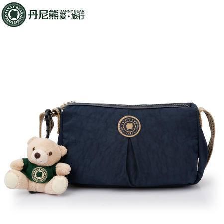 丹尼熊爱旅行休闲斜挎包布包运动小包纯色洗水布男女包DBTB598101
