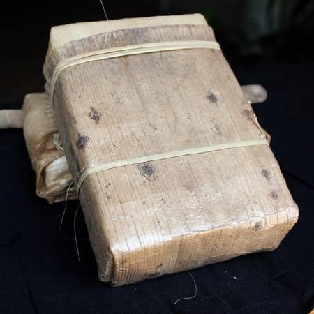 云南 普洱茶 勐海干仓老熟茶 陈年枣香厚砖茶竹笋盒装 大树茶叶