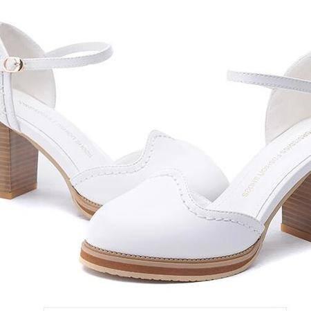 女工作潮百搭甜美单鞋尖头浅口鞋子女一字扣包头粗跟女凉鞋