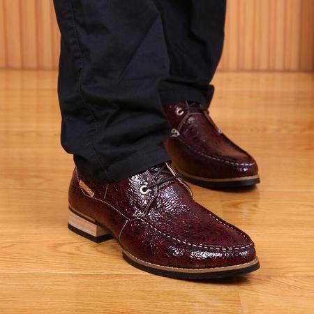 新款春季男式休闲鞋子时尚男鞋 潮尖头鳄鱼皮品牌男士单鞋子