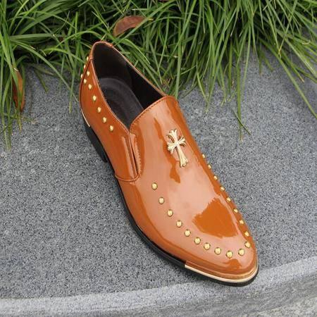 2014年新款英伦皮鞋镶钻雕花皮鞋子男单鞋