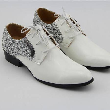 新款发光尖头品牌男鞋潮男式休闲系带男鞋子