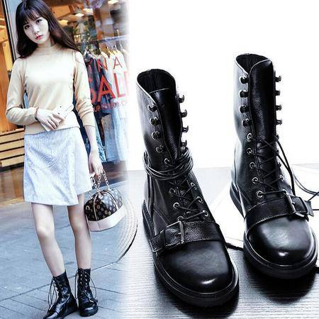 真皮女靴皮带扣平底机车靴街头风潮流骑士靴时尚马丁靴