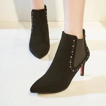 殴美尖头粗跟短靴酒杯跟及裸靴铆钉真皮马丁靴短筒松紧带女靴子