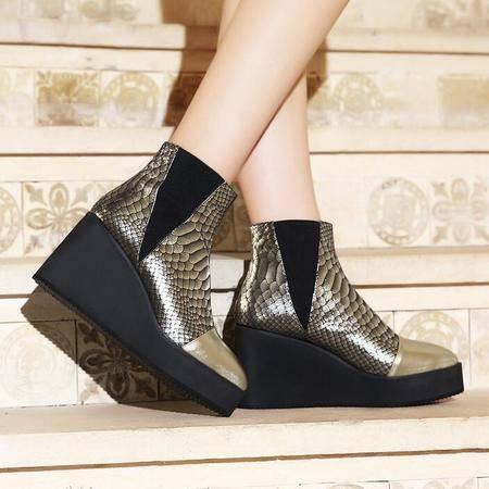 2016秋冬新款欧美时尚蛇纹圆头厚底坡跟短靴真皮骑士靴女靴