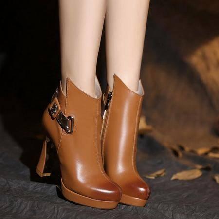 欧美时尚真皮女鞋圆头高跟粗跟皮带扣短靴防水台擦色马丁靴