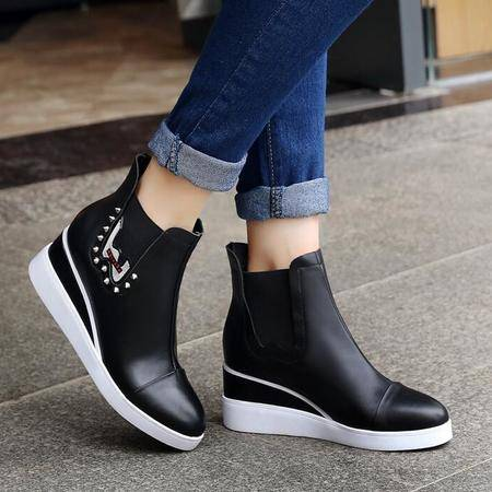 真皮女靴铆钉厚底内增高坡跟短靴英伦套脚马丁靴时尚休闲懒人靴