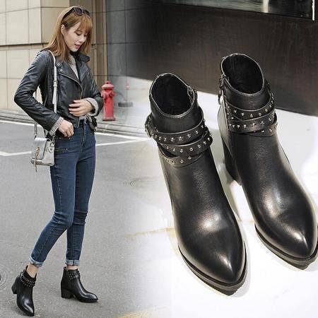 时尚休闲平底马丁靴铆钉皮带扣尖头罗马靴秋季新款真皮女鞋