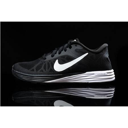Nike 耐克 登月15代 网纱 超轻透气跑步鞋 男女运动鞋