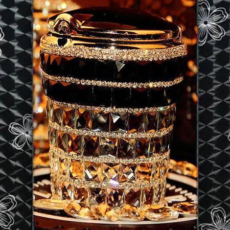 车爵士 手工镶钻时尚创意汽车 LED灯烟灰缸 水钻车载烟灰缸