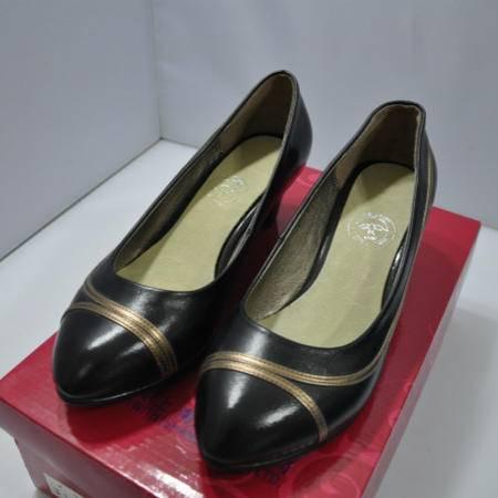 巡洋舰 3317 羊皮 黑色金线女士鞋