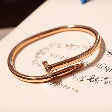 艾米娅 新款 超百搭定制款韩版欧美风百搭水钻手镯 钛钢电镀真金镯子 女